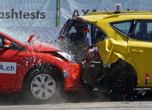 crash-test-collision-60-km-h-distraction-163016-1